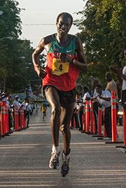 2014-marathon-winner_180